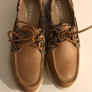 548f8ac6719f Sperry Shoes - NWT SPERRY leopard print oasis boat shoes